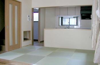 1階 リビングキッチン(畳の間)