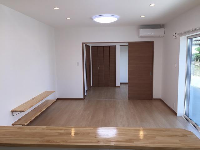 LDKの引戸を開けると奥の部屋と繋がります